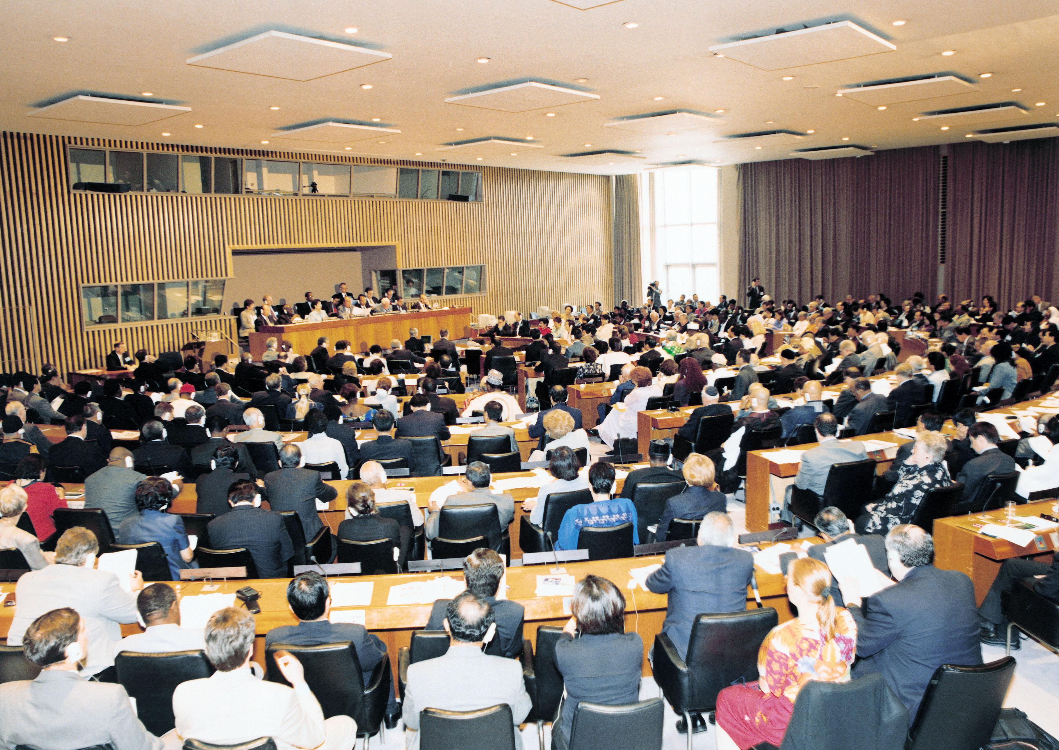 2000年8月18日、米国ニューヨークの国連本部で開催された国際会議「アセンブリ2000」
