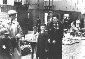 ヨーロッパのユダヤ人隔離地区(写真はポーランドのゲットー)