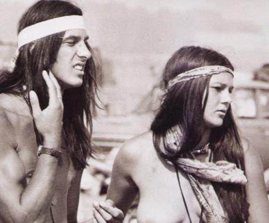 1960年代にアメリカ西海岸で起きたカウンターカルチャー運動